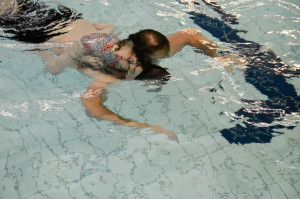 Samen leren zwemmen